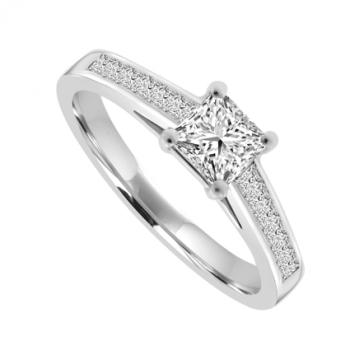 Platinum Princess cut Solitaire Diamond Ring with set shoulders