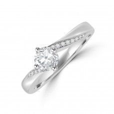 Platinum GSi1 Diamond Solitaire ring with Twisted shoulders