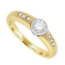 18ct Gold Diamond Rub-over Solitaire Ring