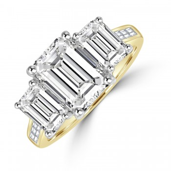 18ct Gold Three-stone Emerald cut 3.72ct Diamond Ring