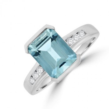 18ct White Gold Aqua Solitaire Diamond Ring