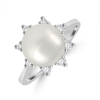 18ct White Gold Pearl & Diamond Cluster Ring
