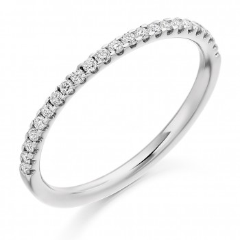 Platinum 23-stone Diamond Cut out Wedding Ring