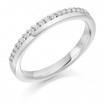 18ct White Gold Diamond Offset Diamond Wedding Ring