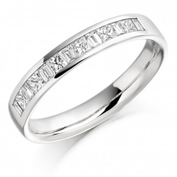18ct White Gold Princess & Baguette Diamond Ring